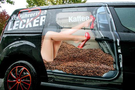 """""""Puffauto""""-Urteil: Sexistische Werbung auf dem Auto"""