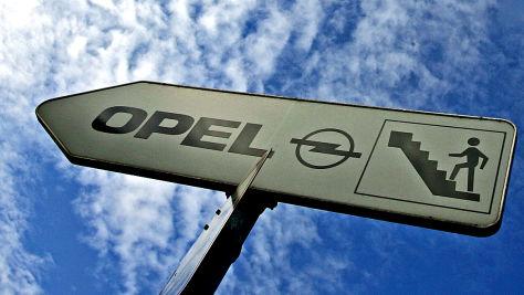 Opel halbiert Verluste