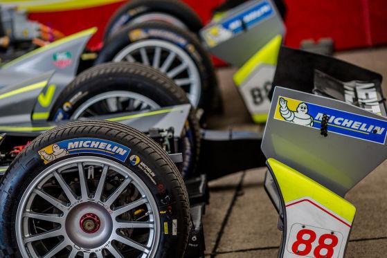 Die Formel E startet mit Michelin in die zweite Saison