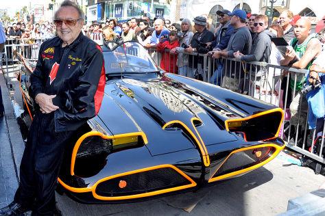 Batmobil mit Designer George Barris