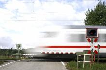 Brennpunkt Bahn�bergang