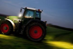 I hoi di mit dem Traktor raus!