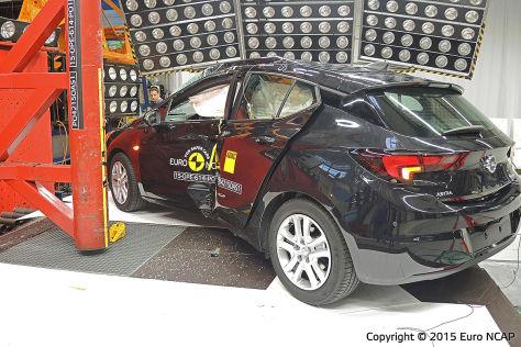Opel Astra im Euro NCAP-Crashtest