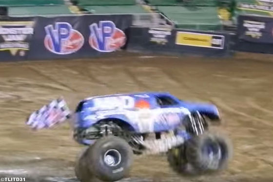 Dieser Monster Truck sprengt Grenzen