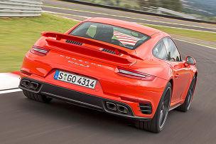 So f�hrt der neue 911 Turbo S