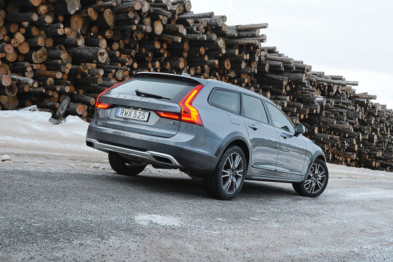 V90 Cross Country in den Startlöchern