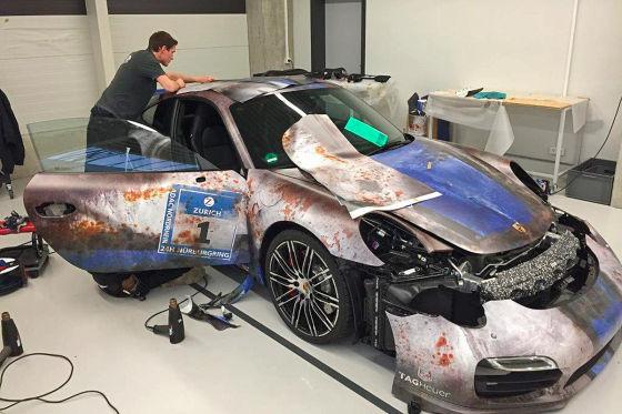 Hier kommt der Patina-Porsche