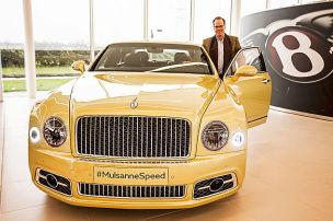 Erster Check im fetten Bentley