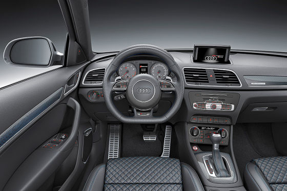 Audi rs q3 performance genf 2016 vorstellung preis for Audi q3 photos interieur