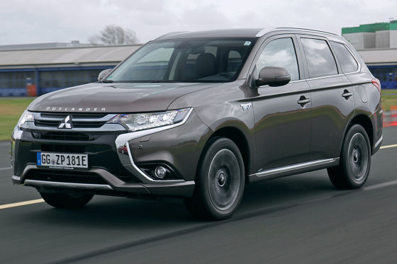 Hybrid Suvs Im Test Toyota Rav4 Gegen Mitsubishi