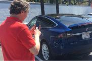 Autonomes Ausparken mit Tesla