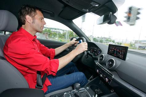Audi Q2 (Genf 2016): Sitzprobe