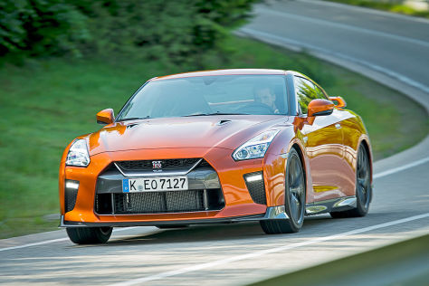 Nissan GT-R Facelift (New York 2016): Sitzprobe