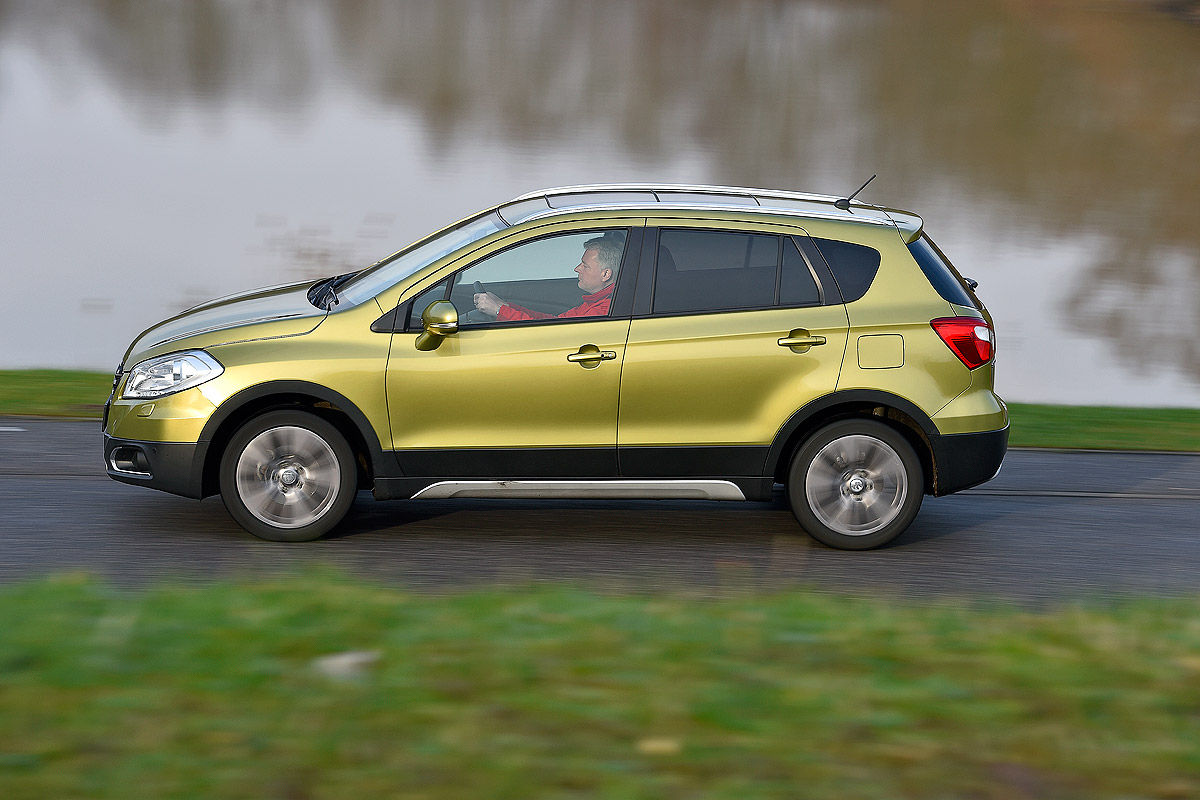 suzuki sx4 s cross im dauertest bilder. Black Bedroom Furniture Sets. Home Design Ideas