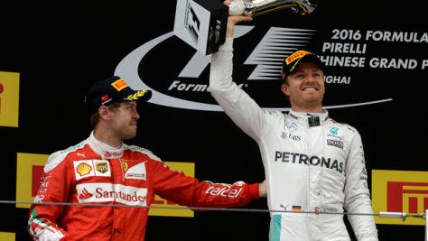 Formel 1: Mercedes gegen Ferrari