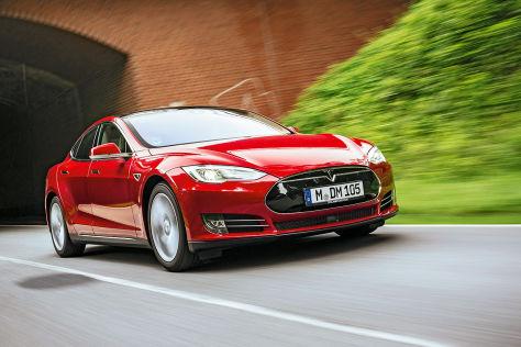 Volvo vs. Tesla