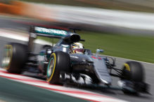 Red Bull schl�gt Ferrari