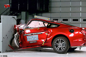 Crashtest: Chevrolet Camaro, Dodge Challenger, Ford Mustang