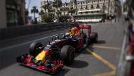 Formel 1: Ricciardo toppt Training