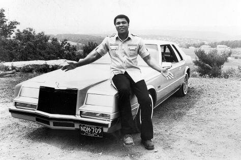 """Rolls-Royce, Cadillac, Mercedes """"Golden Angel Wing: Die Autos von Muhammad Ali"""