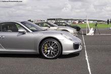 Challenger gegen 911 und GT-R