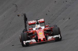 Vettel platzt der Reifen