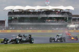 Mercedes-Duo �berholt Senna/Prost