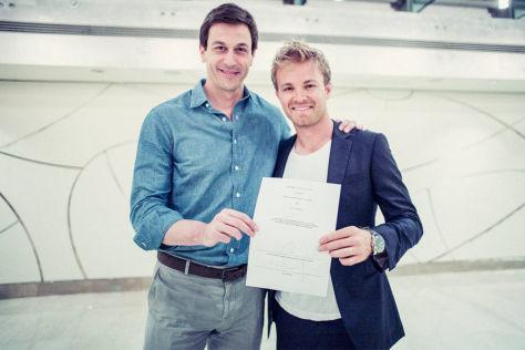 Formel 1: Rosberg verlängert Vertrag