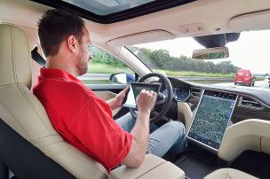 Autonomes Fahren: Tesla-Unfall in den USA