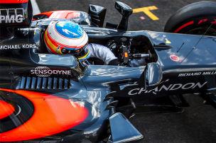 Alonso jubelt: Hamilton �berholt!