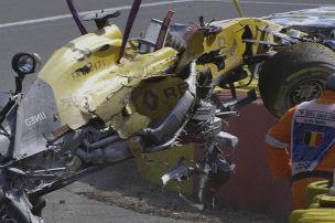 Magnussen fliegt in Eau Rouge ab