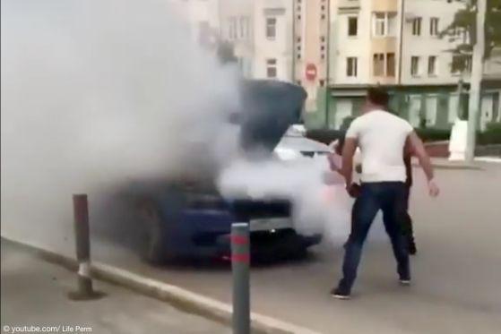 BMW M5 entgeht dem Flammen-Inferno