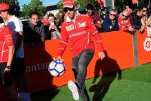 Räikkönen und Vettel spielen Fußball