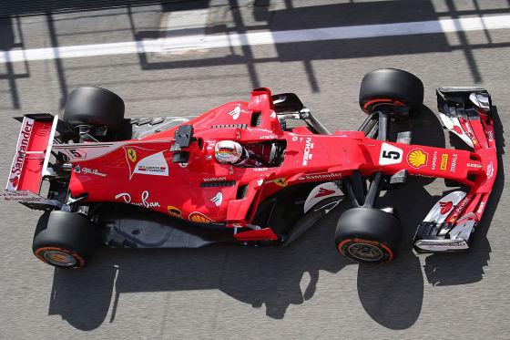 Formel 1: Hamilton startet vor Vettel
