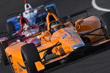 Alonso verbessert sich auf Platz 4