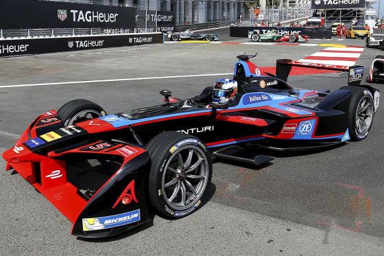 Schwede Rosenqvist gewinnt erstes von zwei Formel-E-Rennen in Berlin