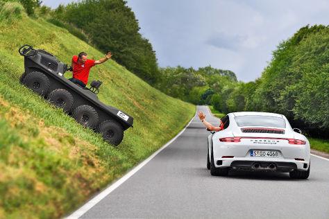 Argo Avenger 8x8 S Porsche 911 Carrera 4 GTS