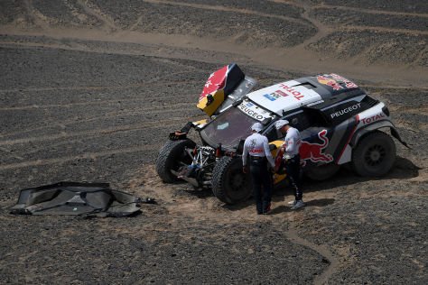 Silk Way Rallye: Loeb crasht