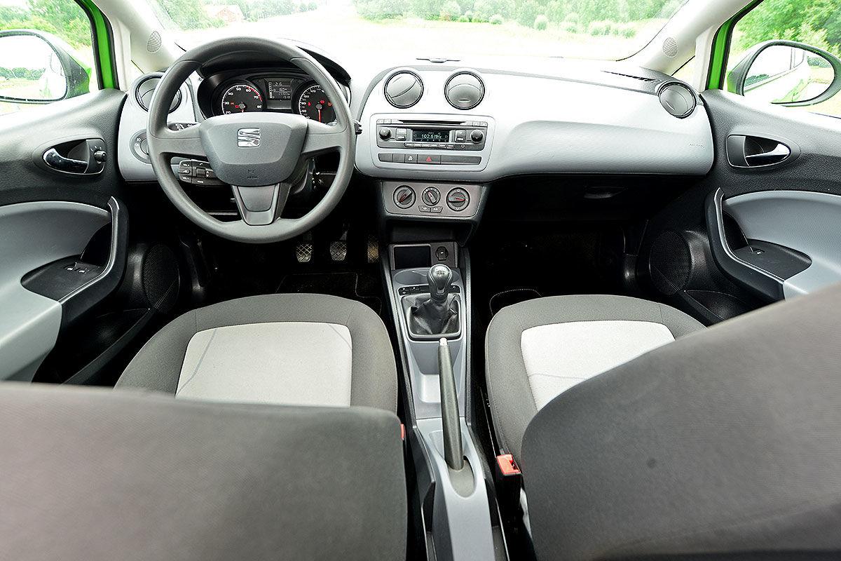 Gebrauchtwagen test seat ibiza bilder for Seat ibiza innenraum