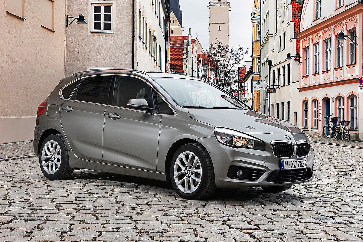 bmw 218i active tourer im bilder. Black Bedroom Furniture Sets. Home Design Ideas