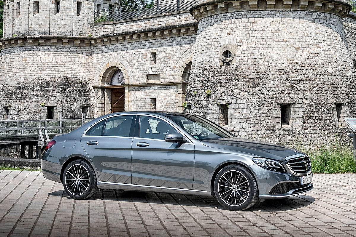 mercedes c klasse facelift 2018 preise w205 motoren fotos bilder. Black Bedroom Furniture Sets. Home Design Ideas