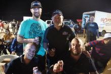 Siegerehrung: Ein Bier mit den Profis