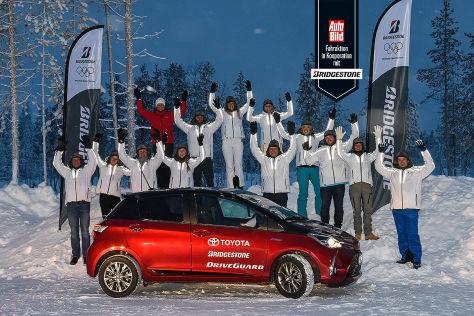 Rallye-Weltmeisterin Isolde Holderied mit unseren zwölf Reifentestern.