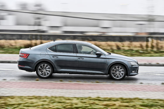 Vergleich VW Arteon Skoda Superb