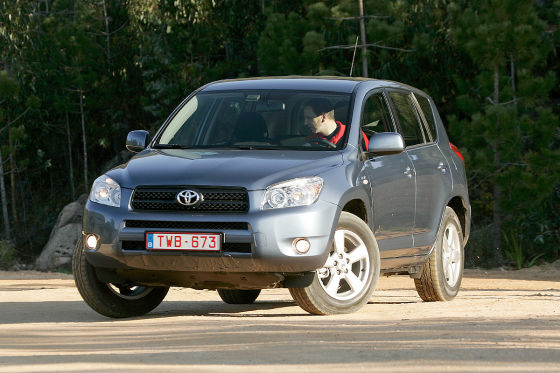 toyota rav4 iii gebrauchtwagen test. Black Bedroom Furniture Sets. Home Design Ideas