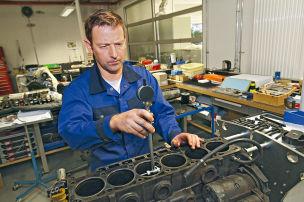 Motoreninstandsetzung: Ablauf und Kosten