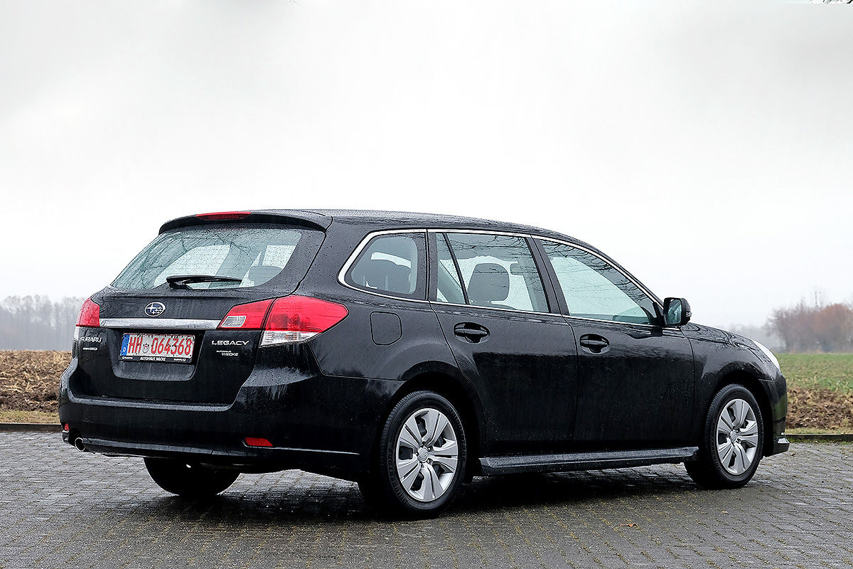 gebrauchtwagen test subaru legacy bilder. Black Bedroom Furniture Sets. Home Design Ideas