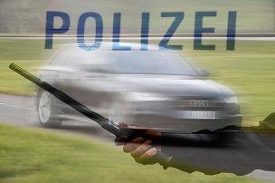 Waffen in Protz-Audi