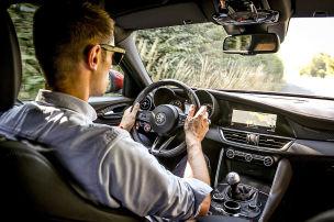 Alfa Romeo Giulia Quadrifoglio (2018): Abschied vom Handschalter