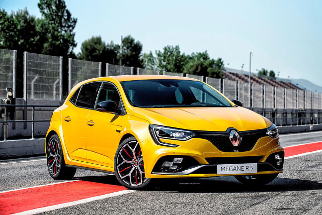 Video renault m gane rs trophy 2018 for Nissan juke dauertest